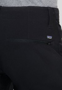 Patagonia - CRESTVIEW PANTS REGULAR - Tygbyxor - black - 3