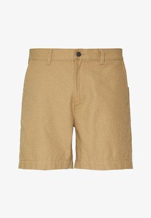 STAND UP SHORTS - Shorts - mojave khaki