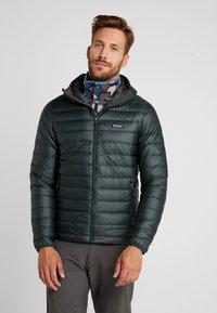 Patagonia - HOODY - Down jacket - carbon - 1