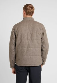 Patagonia - BOMBER - Giacca outdoor - bristle brown - 2