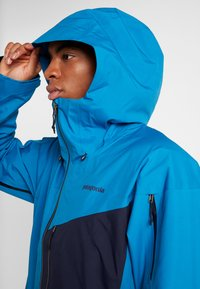 Patagonia - SNOWDRIFTER - Ski jacket - balkan blue - 4
