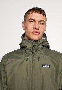 Patagonia - TORRENTSHELL - Hardshell jacket - industrial green - 5