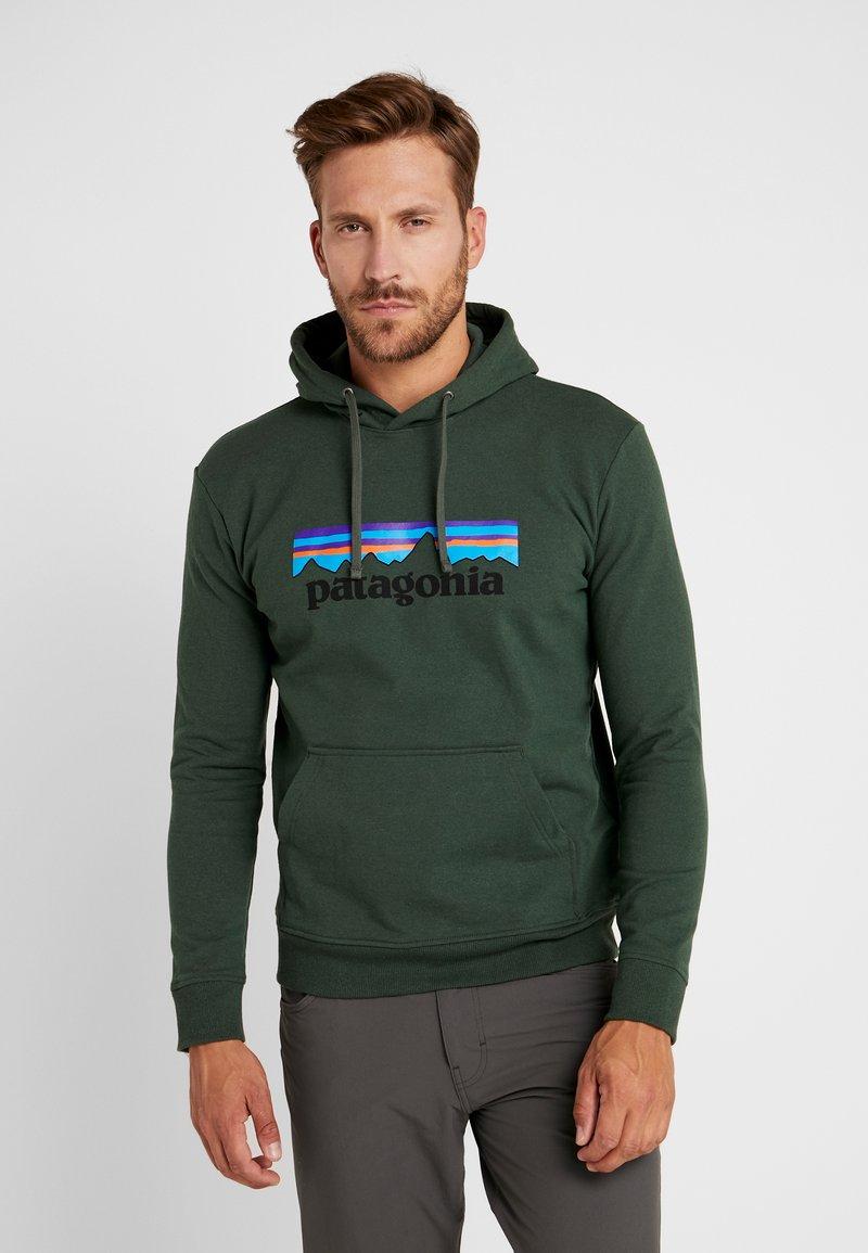 Patagonia - LOGO UPRISAL HOODY - Hoodie - alder green