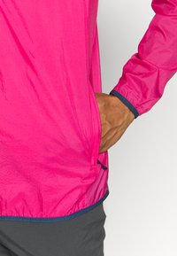 Patagonia - SNAP - Veste coupe-vent - ultra pink - 3