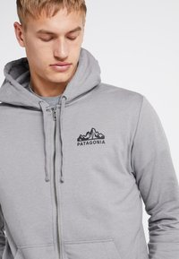 Patagonia - FITZ ROY SCOPE FULL ZIP HOODY - Felpa aperta - feather grey - 6