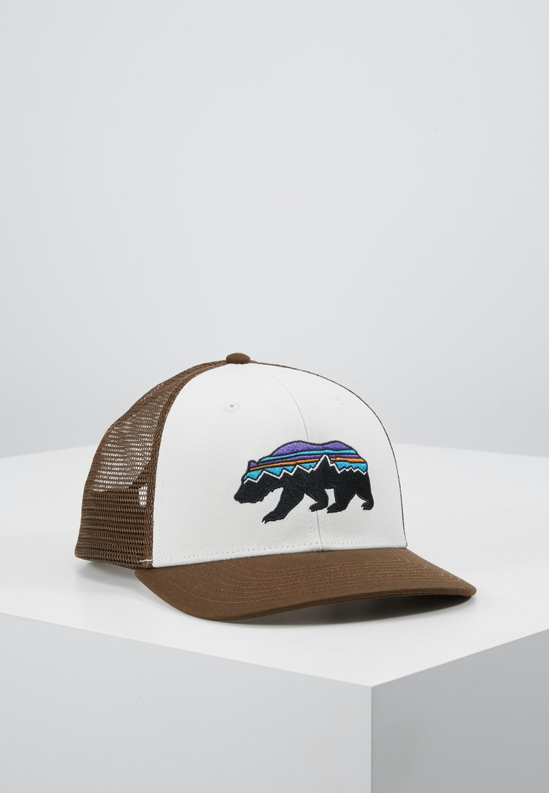 Patagonia - FITZ ROY BEAR TRUCKER HAT - Kšiltovka - white/bristle brown