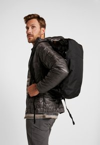 Patagonia - BLACK HOLE DUFFEL 40L - Sports bag - black - 1