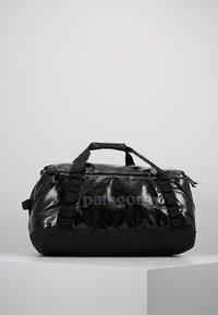 Patagonia - BLACK HOLE DUFFEL 40L - Sports bag - black - 2