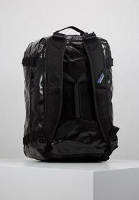 Patagonia - BLACK HOLE DUFFEL 40L - Sports bag - black - 5