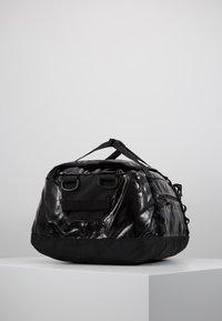Patagonia - BLACK HOLE DUFFEL 40L - Sports bag - black - 3