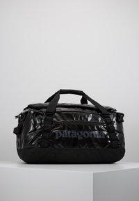 Patagonia - BLACK HOLE DUFFEL 40L - Sports bag - black - 0