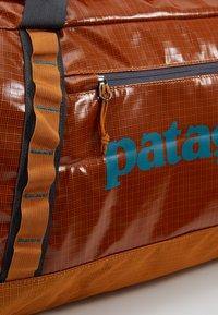 Patagonia - BLACK HOLE DUFFEL 70L - Torba sportowa - hammonds gold - 10