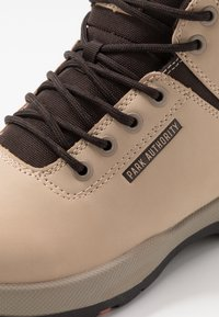 Park Authority - H1KE TERRITORY - Lace-up ankle boots - dove - 5