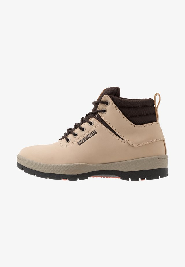 H1KE TERRITORY - Lace-up ankle boots - dove