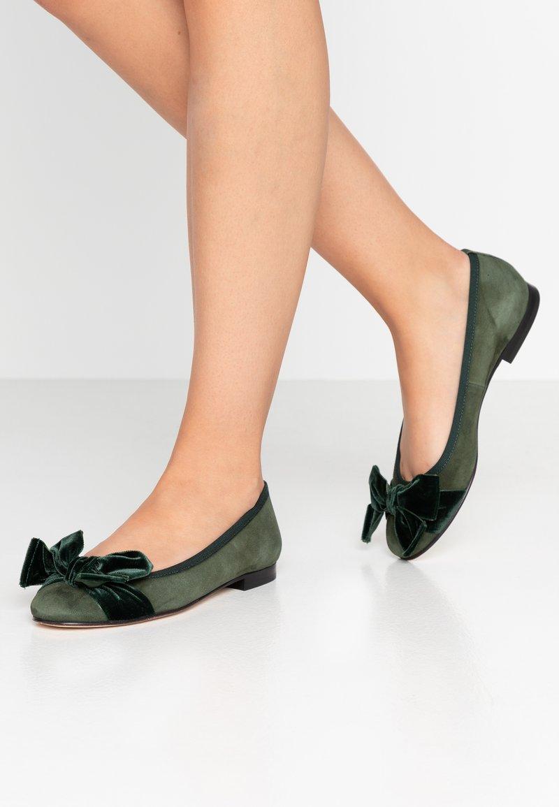 paolifirenze - Klassischer  Ballerina - olive