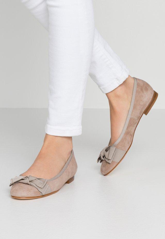 Ballet pumps - sand/cenera