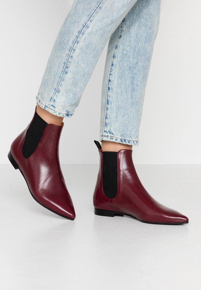 Kotníkové boty - alaska bordo