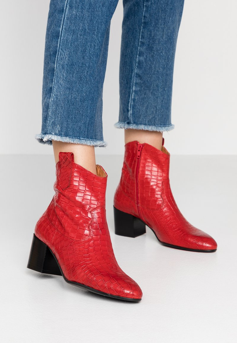 paolifirenze - Cowboy/biker ankle boot - rosso