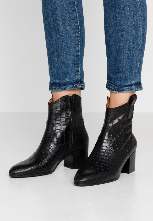 Cowboy/biker ankle boot - cocco nero