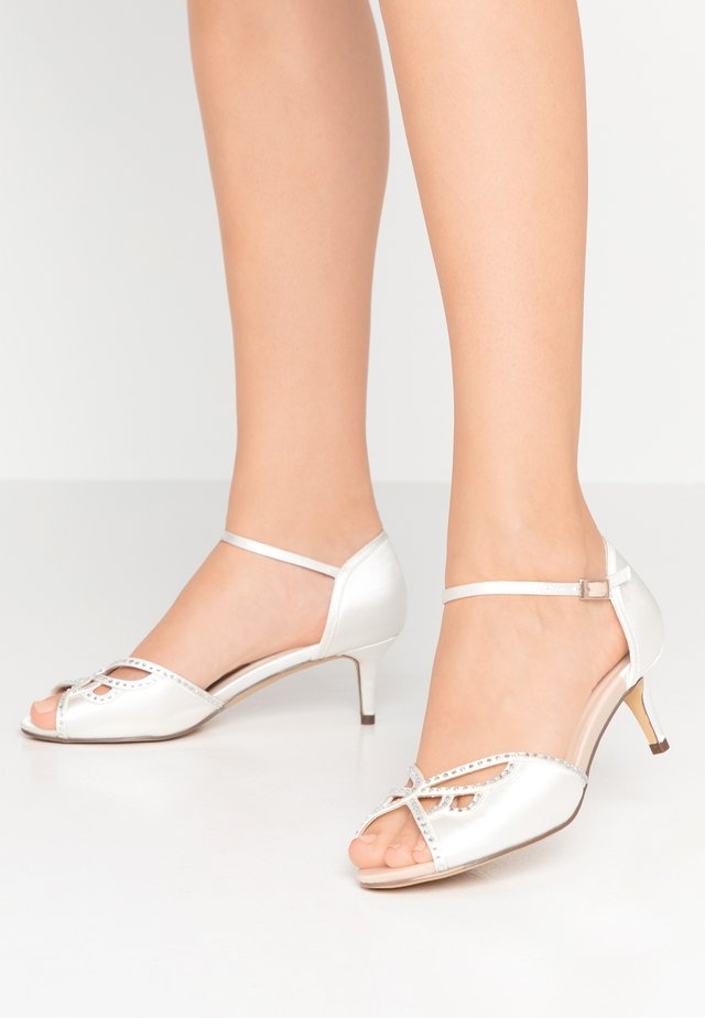 HISAKI WIDE FIT - Bridal shoes - ivory