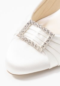 Paradox London Wide Fit - BRITNEY WIDE FIT - Zapatos de novia - ivory - 2
