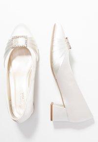 Paradox London Wide Fit - BRITNEY WIDE FIT - Zapatos de novia - ivory - 3
