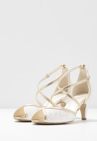 Paradox London Wide Fit - WIDE FIT BABEL - Bridal shoes - ivory/champagne - 4