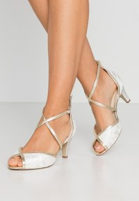 Paradox London Wide Fit - WIDE FIT BABEL - Bridal shoes - ivory/champagne - 0
