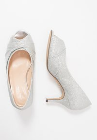 Paradox London Wide Fit - WIDE FIT GABRIELLE - Klassiske pumps - silver - 3