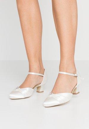 WIDE FIT AVALYN - Zapatos de novia - ivory
