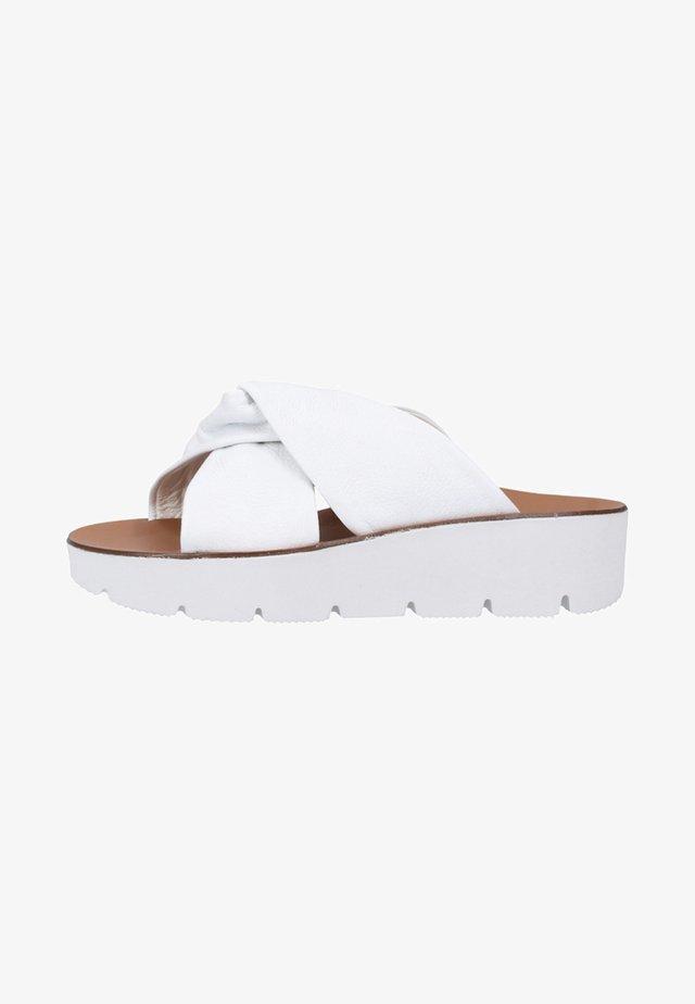 Plateausandaler - white