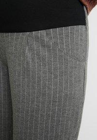 Paula Janz Maternity - TROUSERS - Trousers - grey - 4