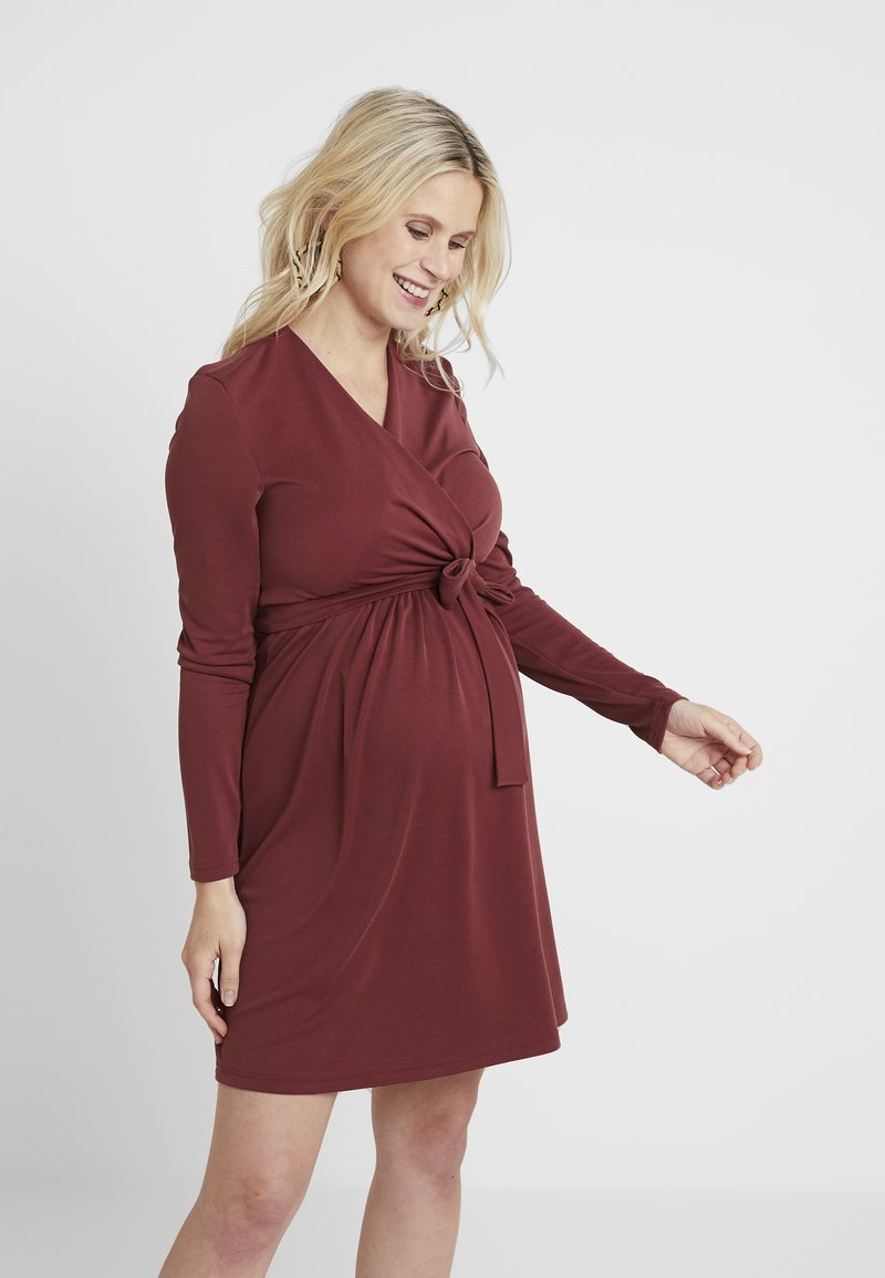 Paula Janz Maternity - DRESS BRASILIA NURSING - Jerseykleid - berry