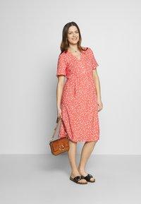 Paula Janz Maternity - DRESS APRIL SHOWER - Day dress - coral - 1