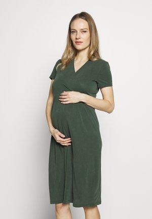 Sukienka z dżerseju - jungle green