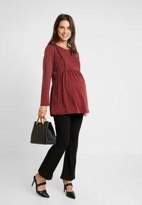 Paula Janz Maternity - NURSING - Top sdlouhým rukávem - berry - 1