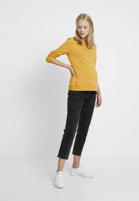 Paula Janz Maternity - HAPPINESS - Sweatshirt - yellow - 1