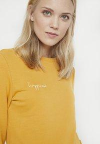 Paula Janz Maternity - HAPPINESS - Sweatshirt - yellow - 3