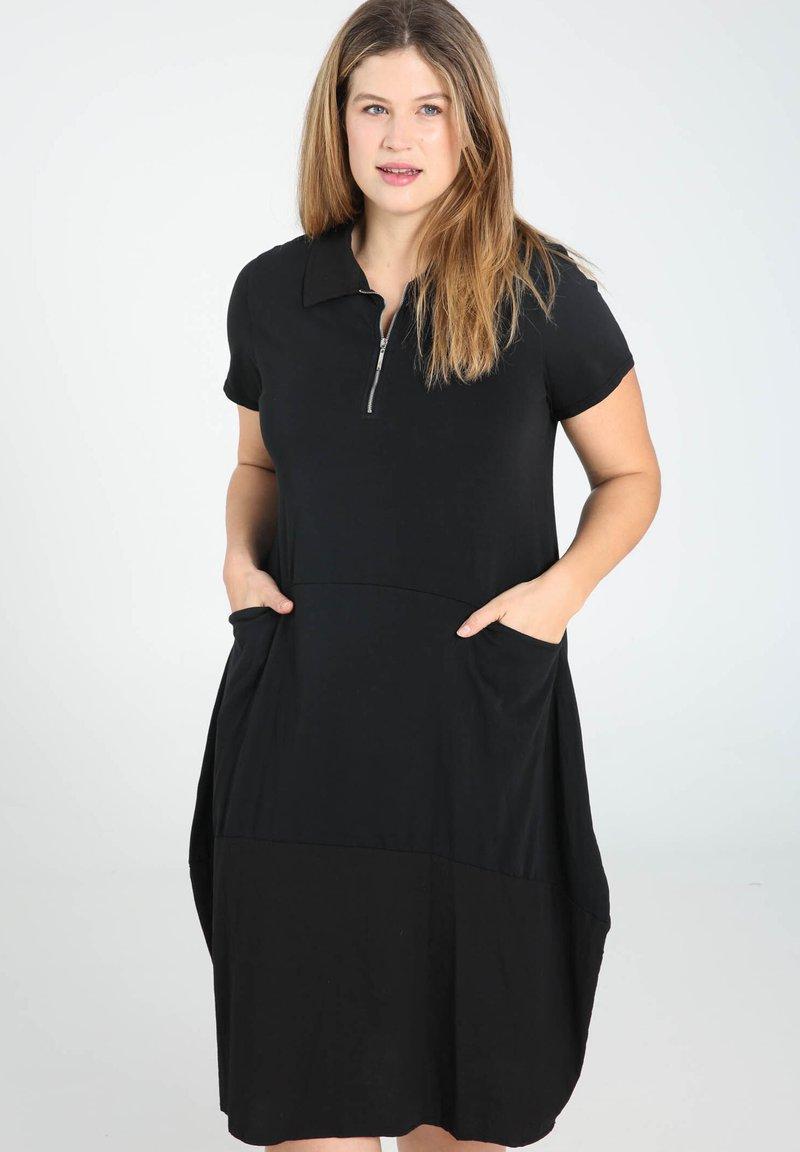 Paprika - Abito a camicia - black
