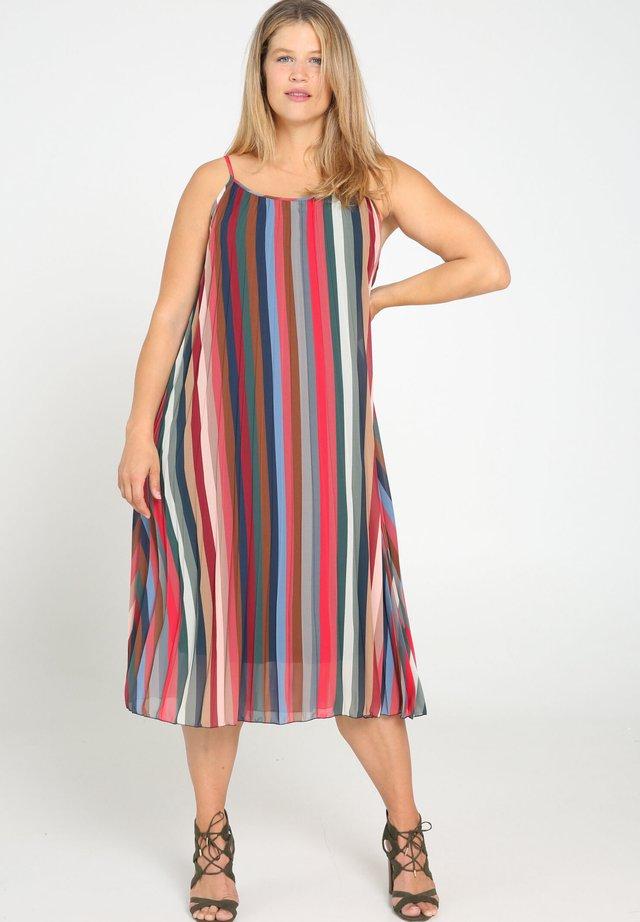 MIT STREIFENAUFDRUCK - Korte jurk - multicolor
