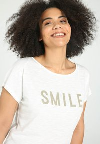 Paprika - SMILE - T-shirts print - beige - 3