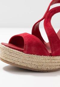 Paloma Barceló - TELMA - Sandály na vysokém podpatku - red - 2