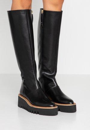 BRIANA - Stivali con la zeppa - black