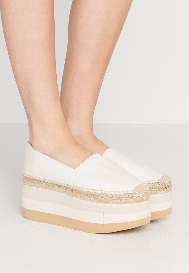 DORHA ACAYA - Loafers - gesso