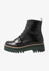 Paloma Barceló - ANETTE - Platform ankle boots - black/green - 1
