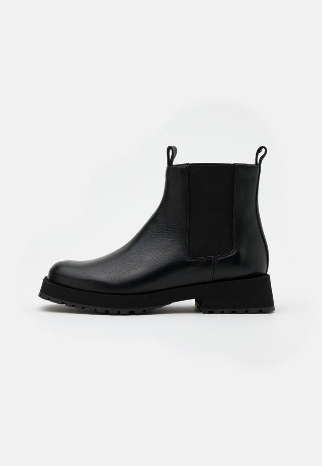 VITORIA - Støvletter - omega black
