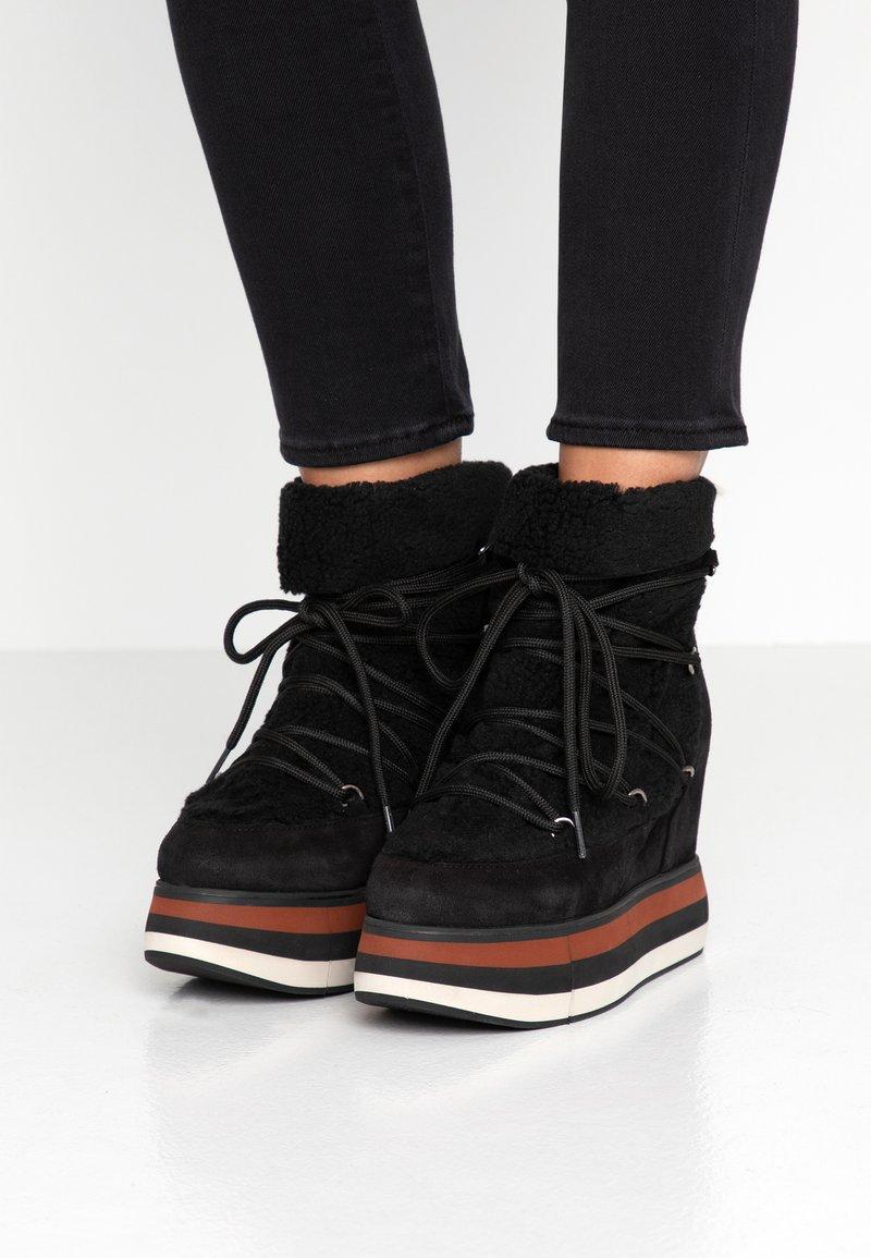 Paloma Barceló - KIRAN  - High Heel Stiefelette - black
