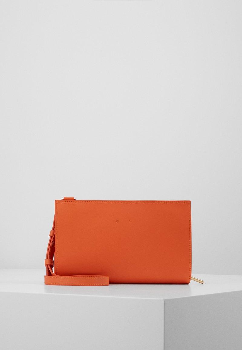 PB 0110 - Taška spříčným popruhem - orange