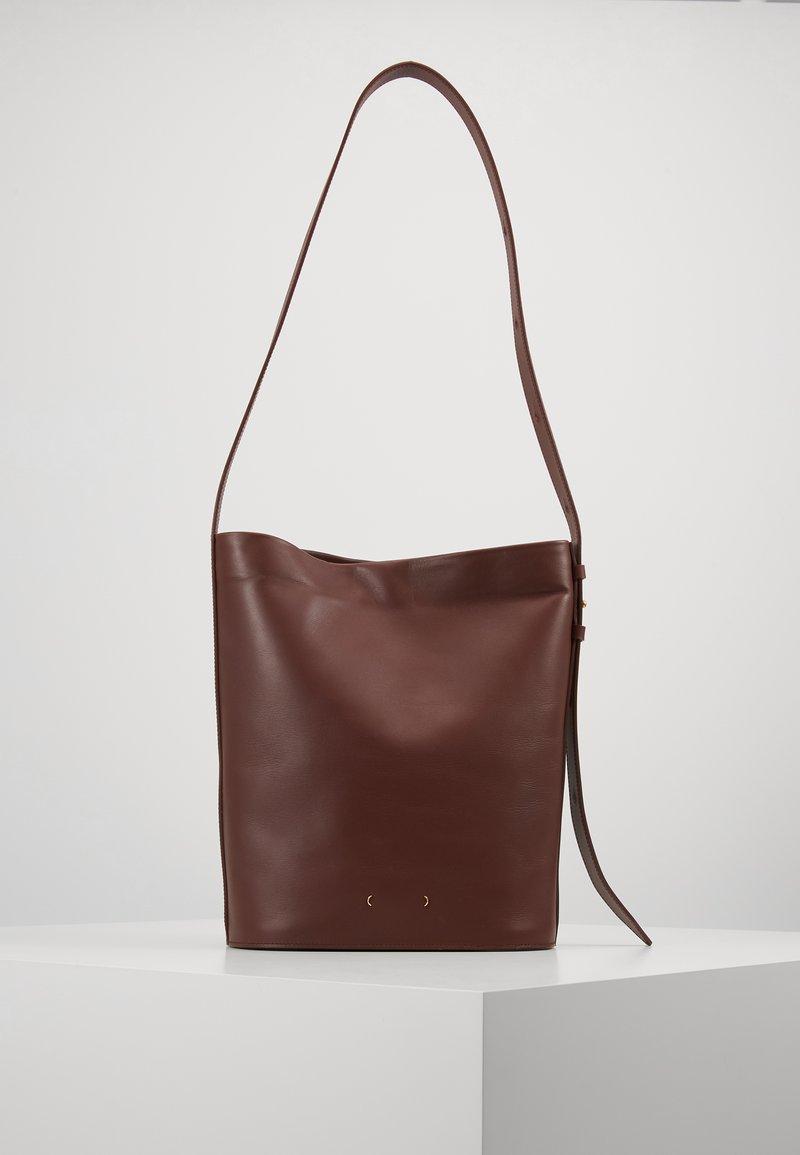 PB 0110 - Handbag - wine