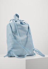 PB 0110 - Batoh - baby blue - 3